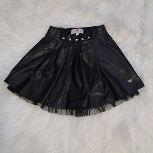 🐘4/$25 Airliner faux leather stud skirt 3y